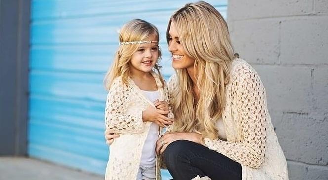 помощь маме с ребенком